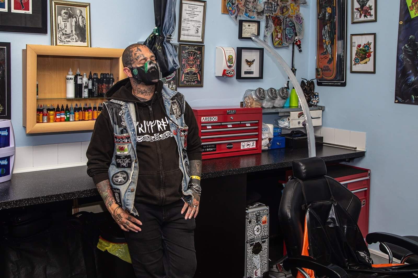 Inkrediblle Tattoo & Piercing Studio - Dean - Tattooist